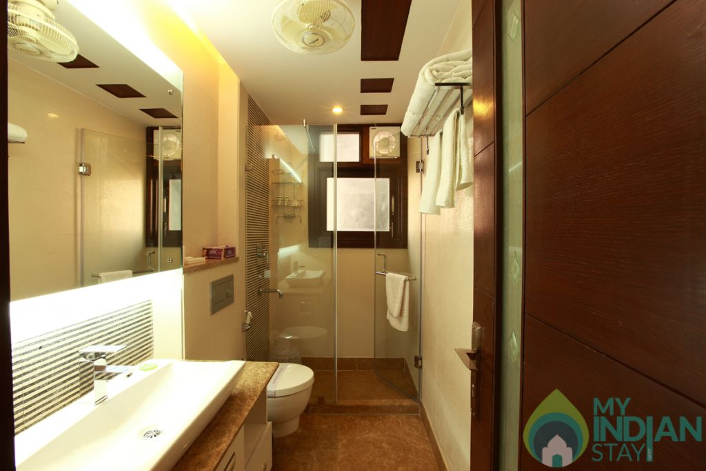 attach bathroom in a Hotel in New Delhi, Delhi