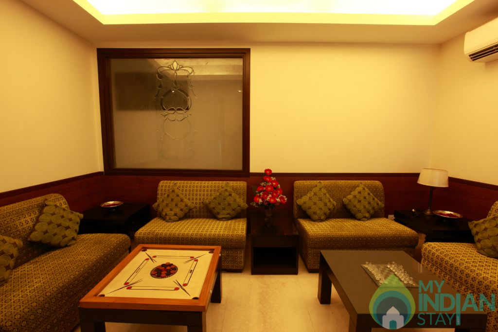 sitting area  in a Hotel in New Delhi, Delhi