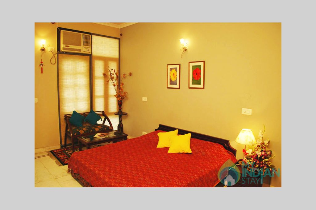 queens_room1 in a Bed & Breakfast in New Delhi, Delhi
