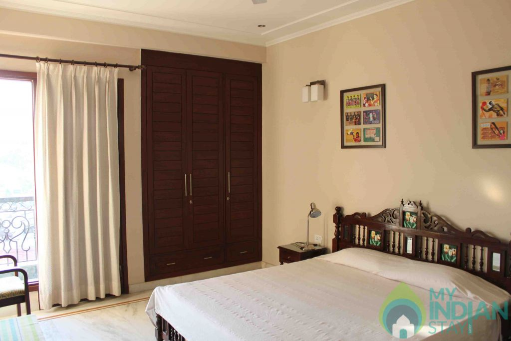 King Bed in a Bed & Breakfast in New Delhi, Delhi