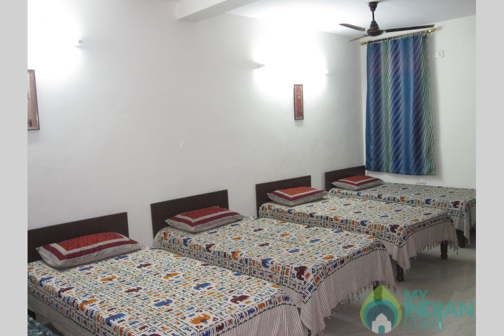 6 Bedded Budget Dorm, Suitable for Group Stay in a Bed & Breakfast in New Delhi, Delhi