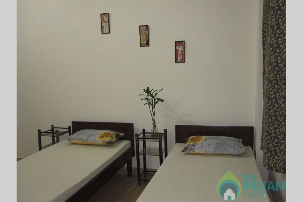 2 Bedroom Set, Ensuite, Suitable for Group/Family Stay in a Bed & Breakfast in New Delhi, Delhi