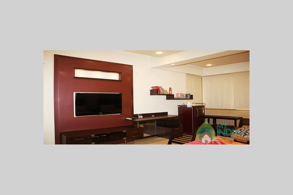 4 in a Serviced Apartment in Mumbai, Maharashtra