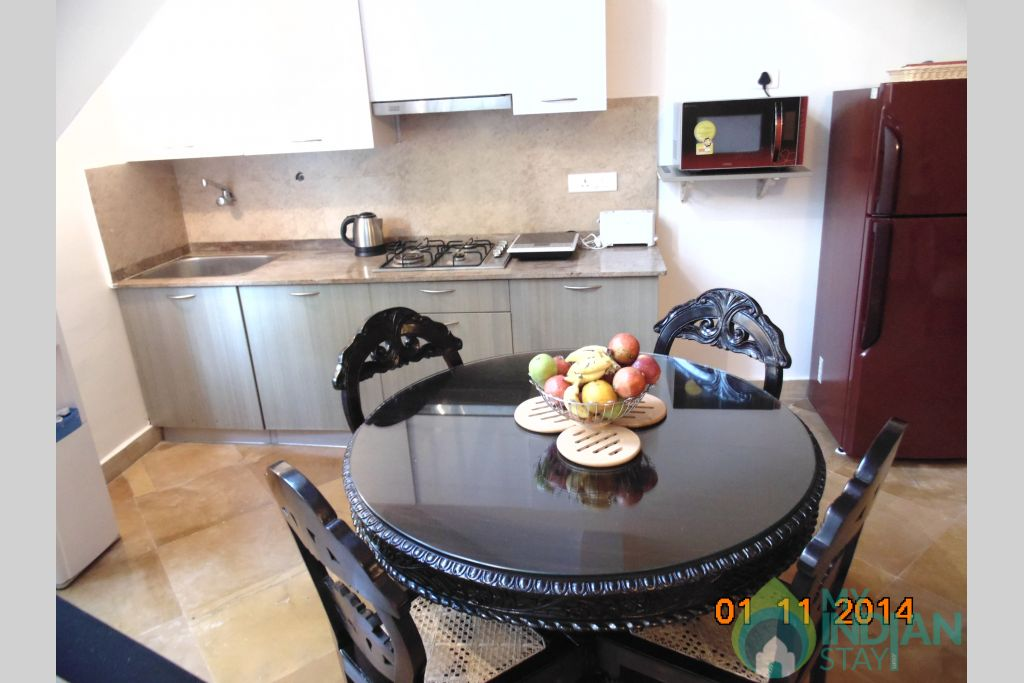 kitchenette and dining 1 in a Villa in Varca, Goa