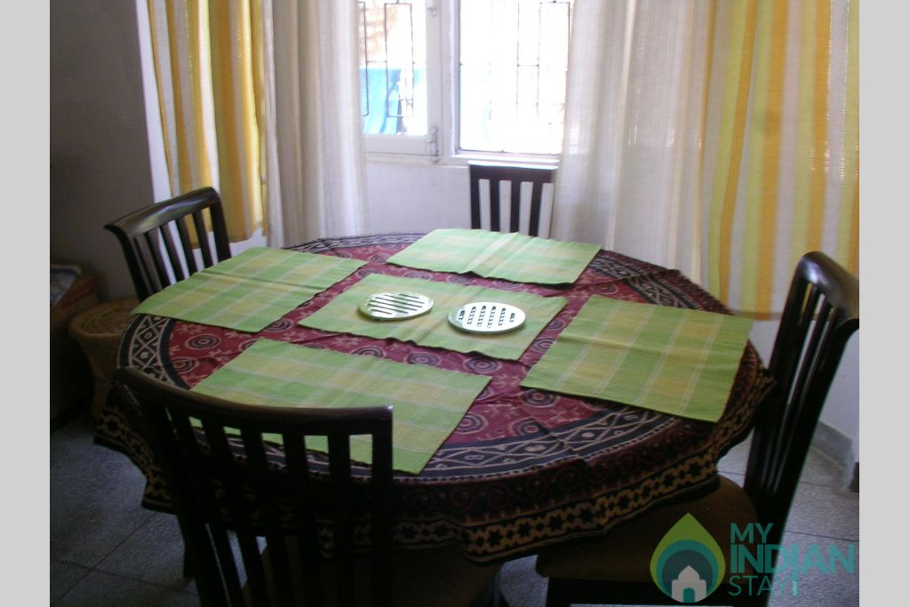Dinning in a HomeStay in Shoghi, Himachal Pradesh