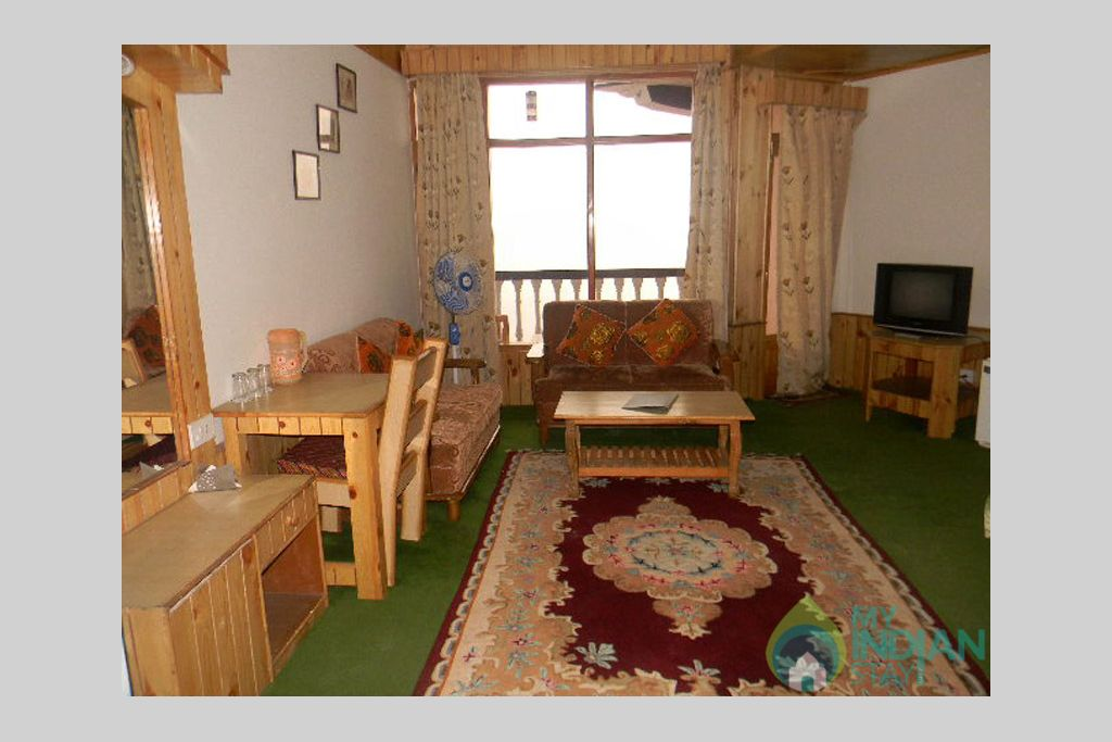 Deluxe room in a Guest House in Manali, Himachal Pradesh