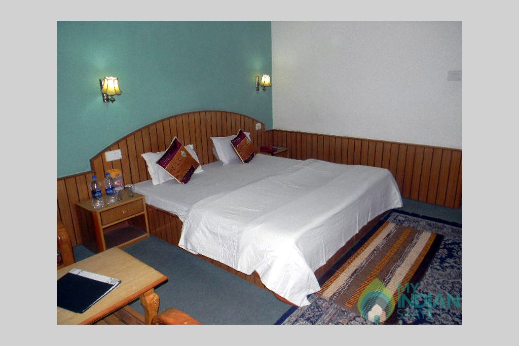 Super deluxe room in a Guest House in Manali, Himachal Pradesh