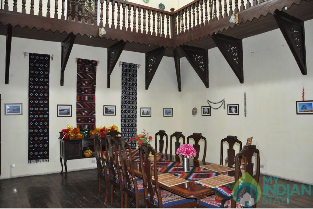 Dinning hall in a Bed & Breakfast in Srinagar, Jammu and Kashmir