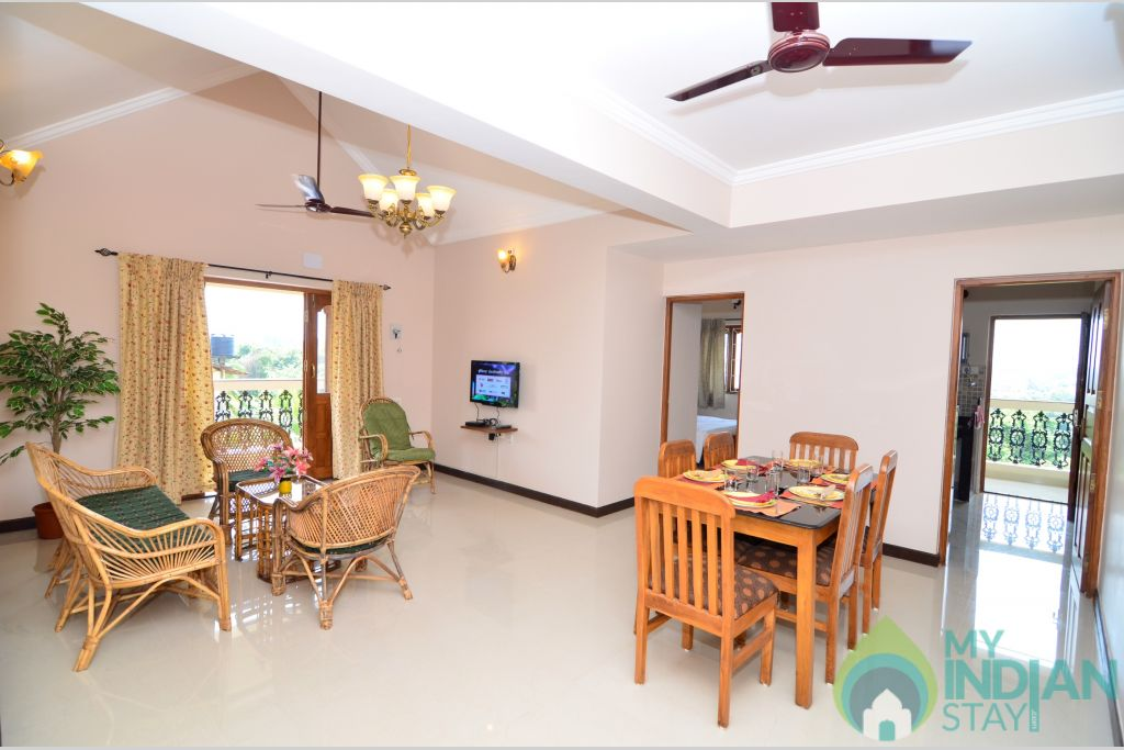 Dinning Room in a Self Catered Apartment in Pilerne, Goa