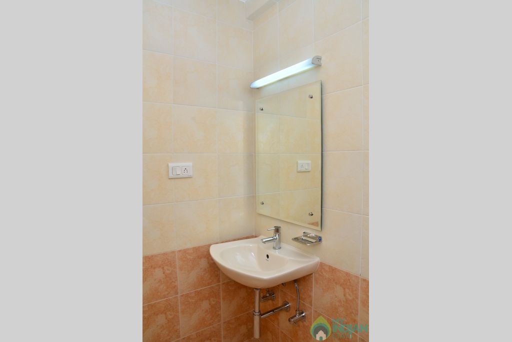 Bathroom in a Self Catered Apartment in Pilerne, Goa