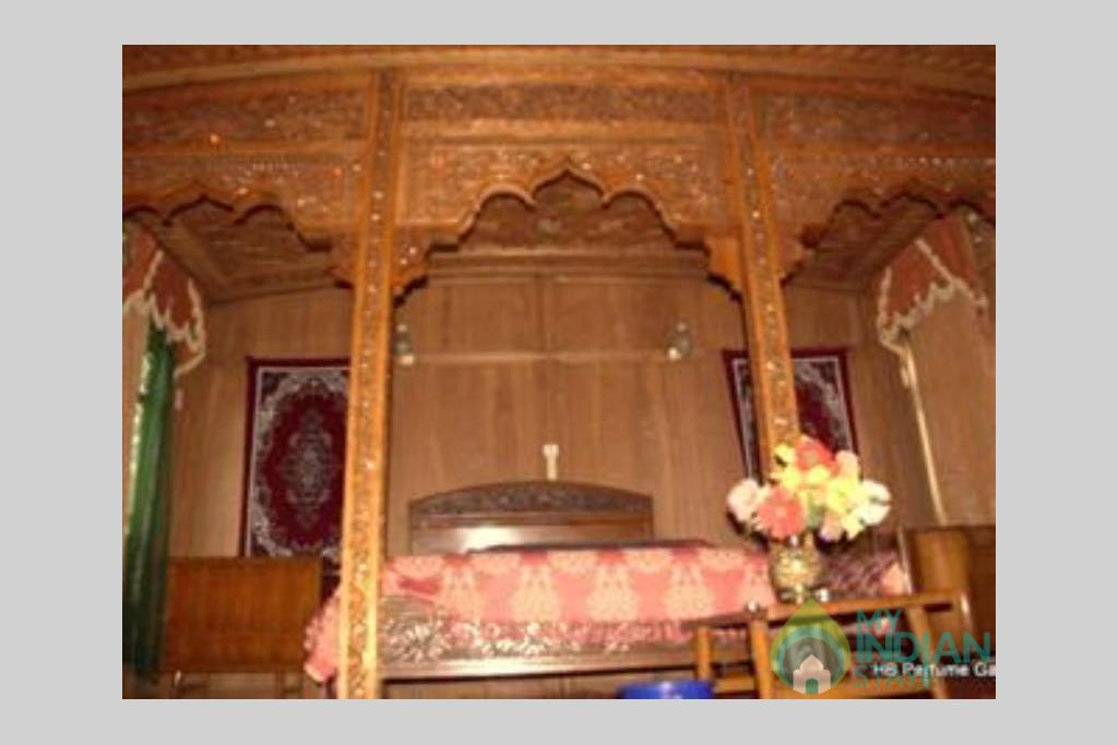 Bedroom 1 in a Guest House in Srinagar, Jammu and Kashmir