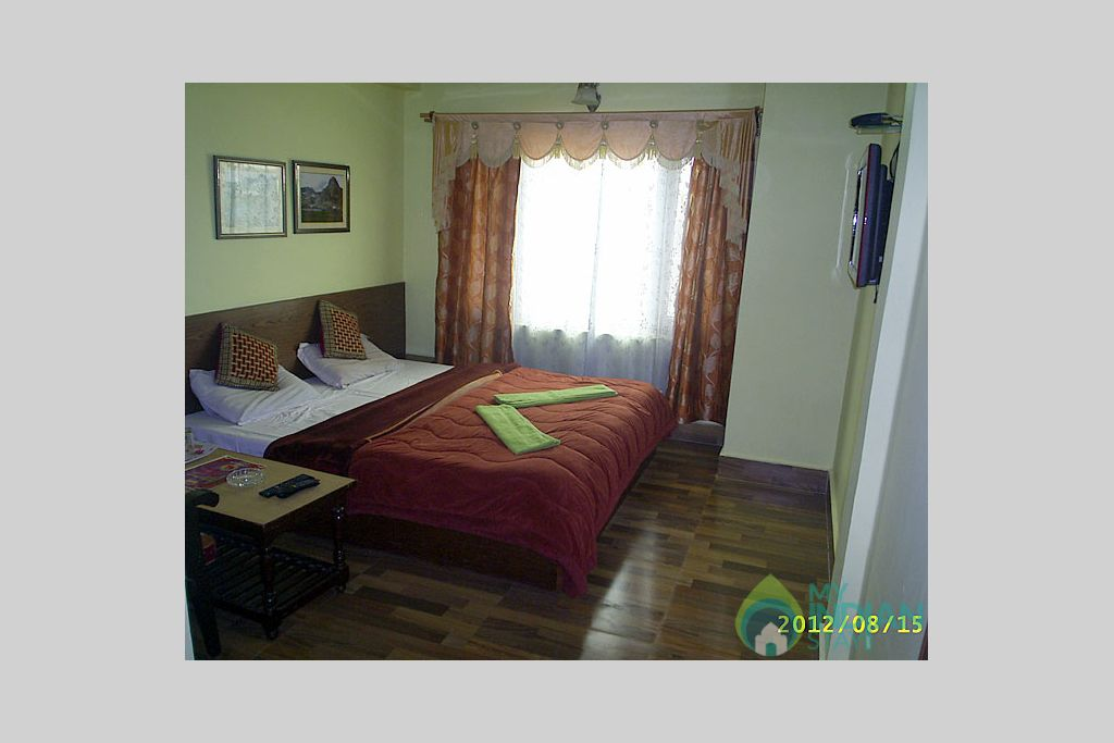 Double Deluxe Room in a Guest House in Srinagar, Jammu and Kashmir