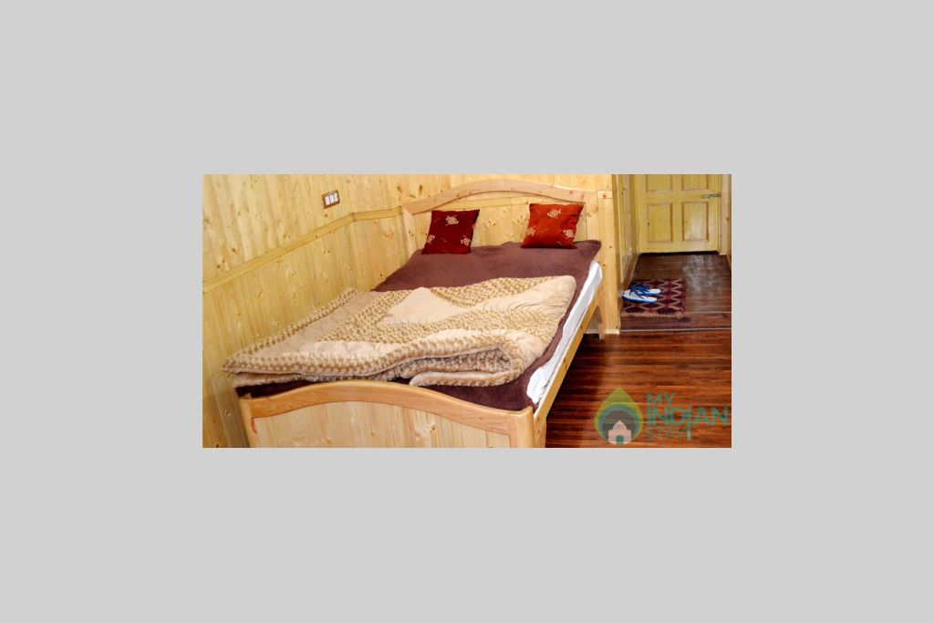 Deluxe Room in a Bed & Breakfast in Srinagar, Jammu and Kashmir