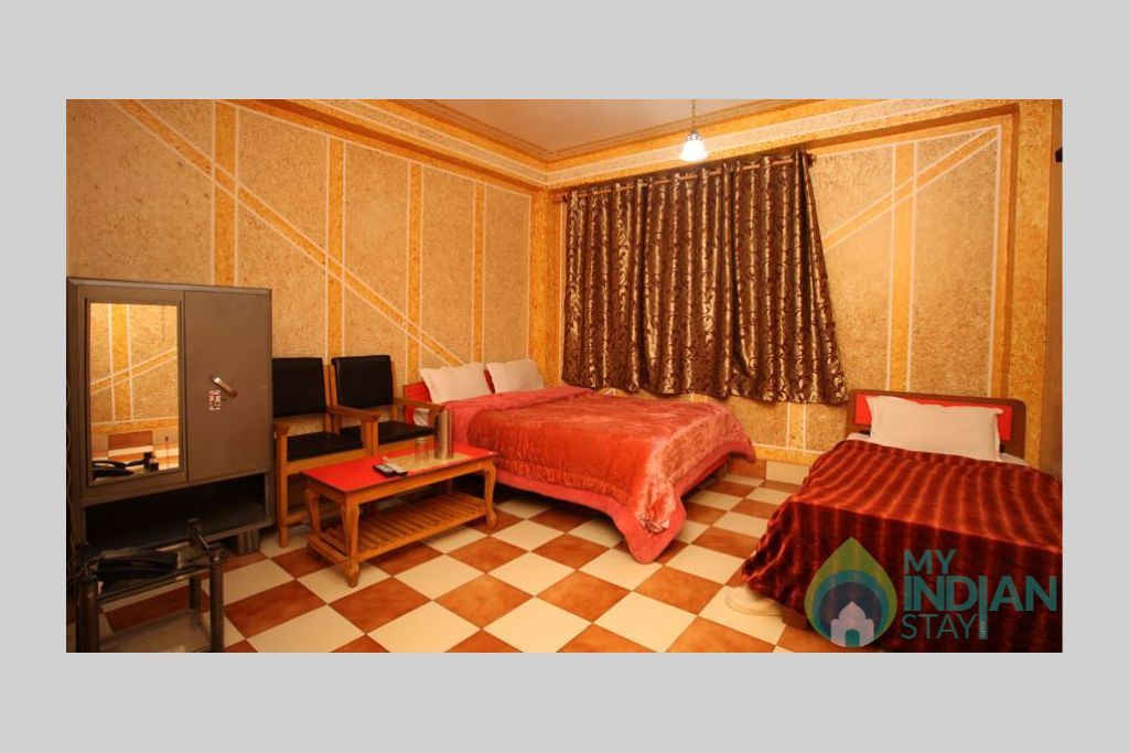 Semi Deluxe Room in a Bed & Breakfast in Srinagar, Jammu and Kashmir