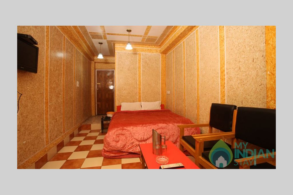 Double Bed Room in a Bed & Breakfast in Srinagar, Jammu and Kashmir