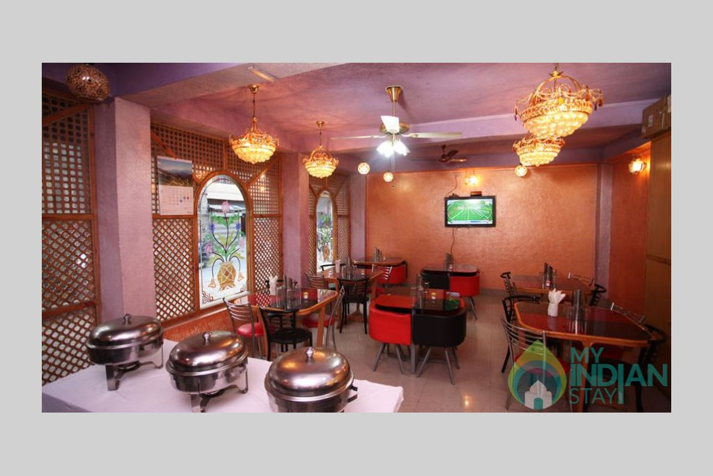 Restaurant in a Bed & Breakfast in Srinagar, Jammu and Kashmir