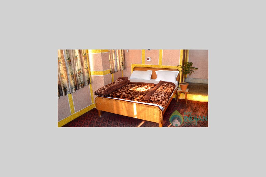 Semi Deluxe Double Bed in a Bed & Breakfast in Srinagar, Jammu and Kashmir