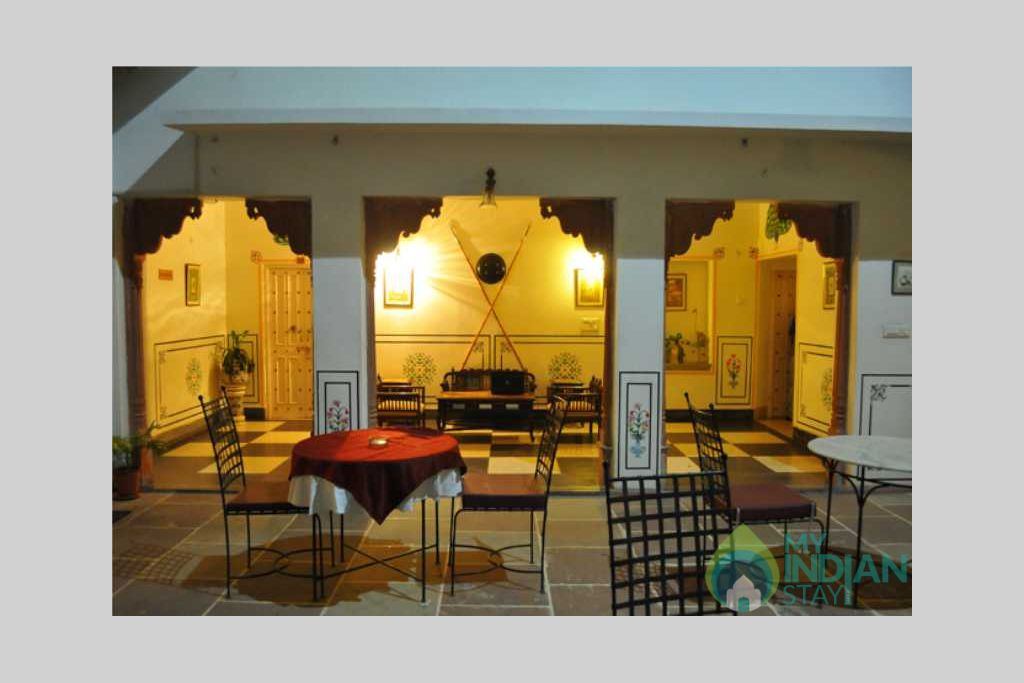 dinning in a Bed & Breakfast in Jaipur, Rajasthan