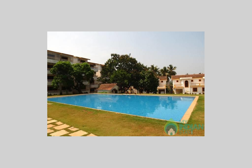 CM040-OUTER 2 in a Serviced Apartment in Candolim, Goa