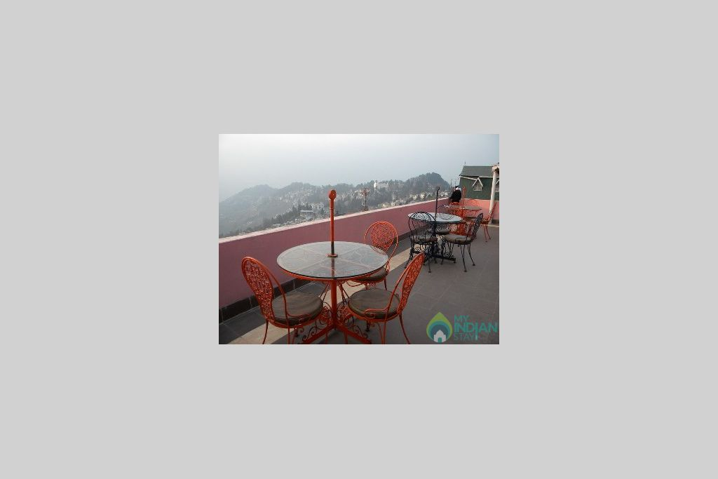 Restuarant in a Bed & Breakfast in Darjeeling, West Bengal
