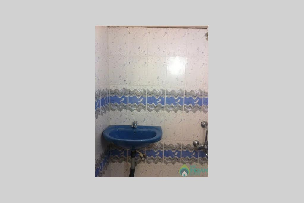 bathroom in a Guest House in Arambol, Goa