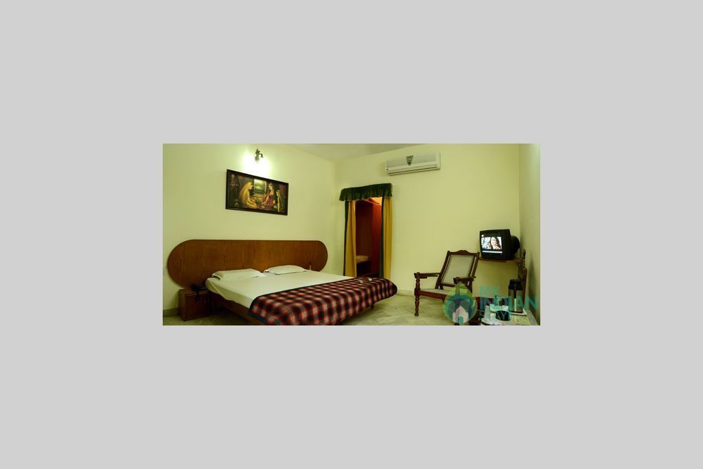 9 in a Guest House in Mount Abu, Rajasthan