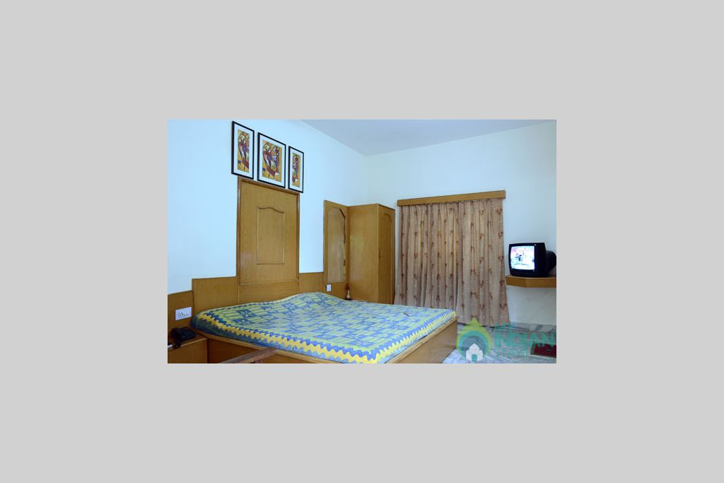 8 in a Guest House in Mount Abu, Rajasthan