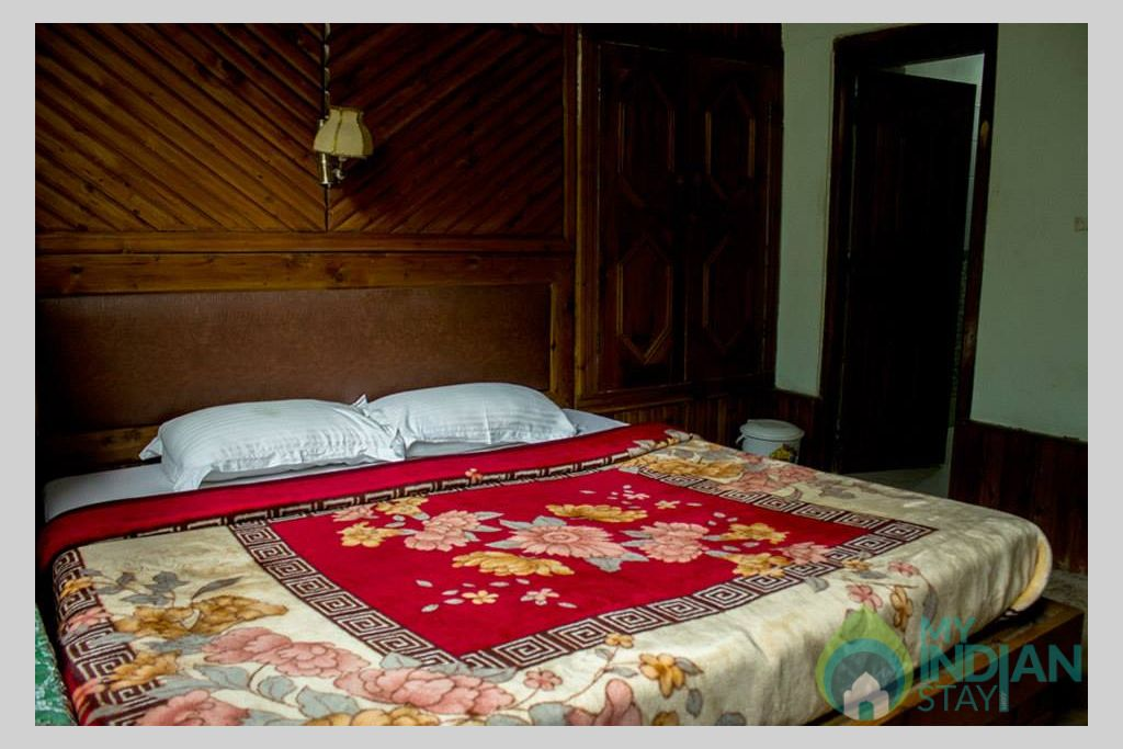 Bedroom in a Cottage/Huts in Kasol, Himachal Pradesh