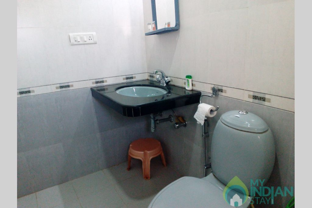 Master Bedroom- Attched Bathroom4 in a Serviced Apartment in Dona Paula, Goa
