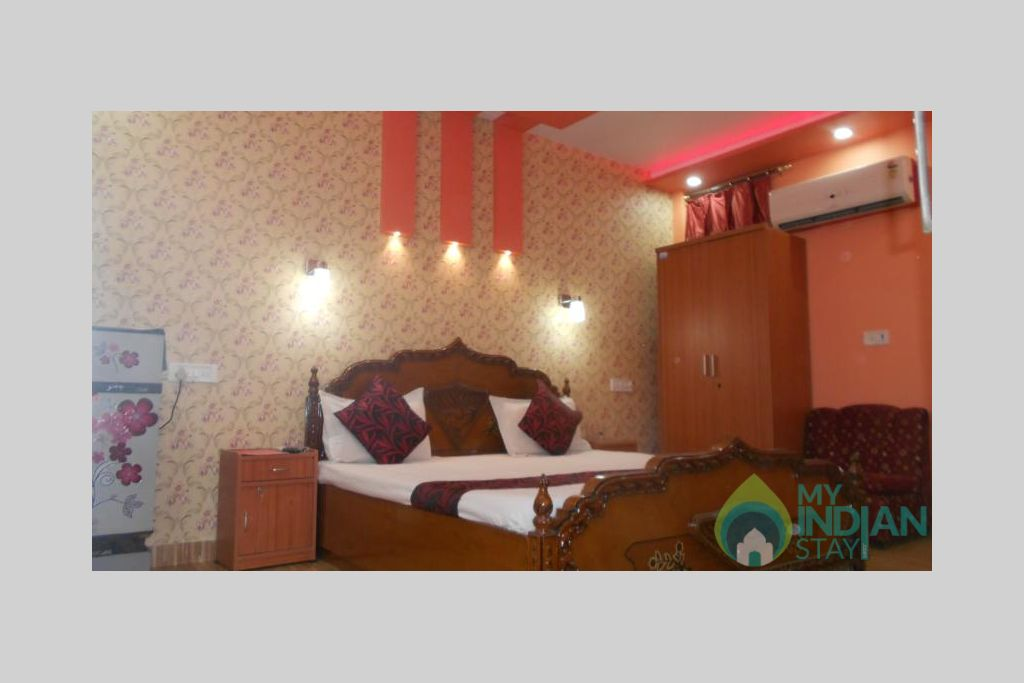 8 in a Bed & Breakfast in New Delhi, Delhi