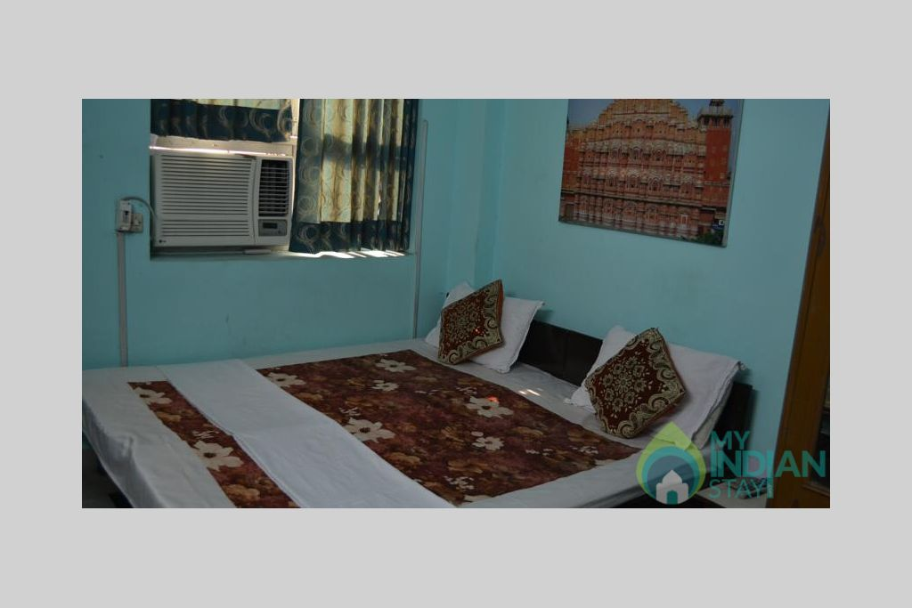 13 in a Bed & Breakfast in New Delhi, Delhi