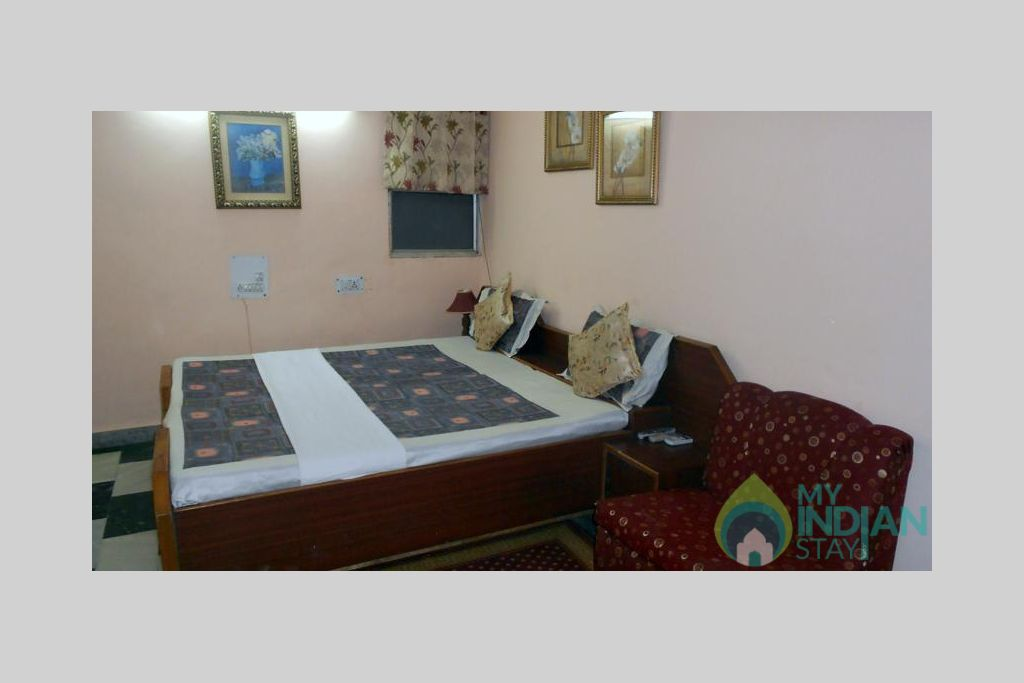 19 in a Bed & Breakfast in New Delhi, Delhi