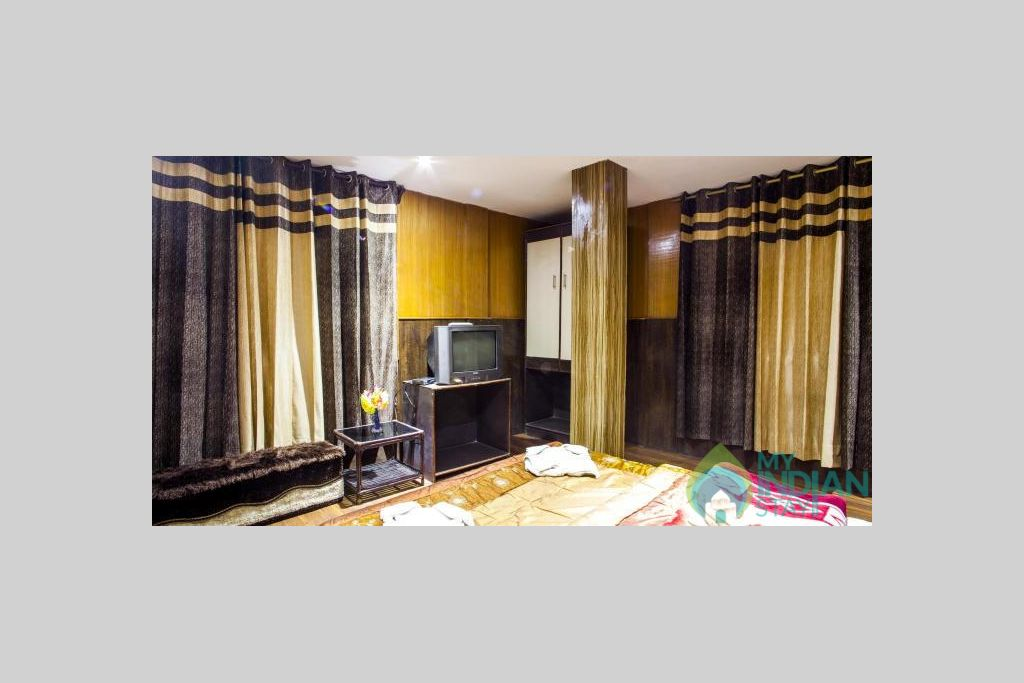 DELUXE DOUBLE BED ROOM 1 in a Hotel in Darjeeling, West Bengal