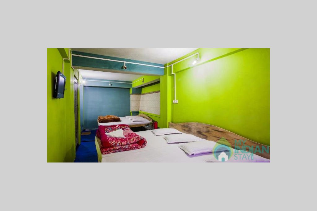 SEVEN BEDDED ROOM 2 in a Hotel in Darjeeling, West Bengal