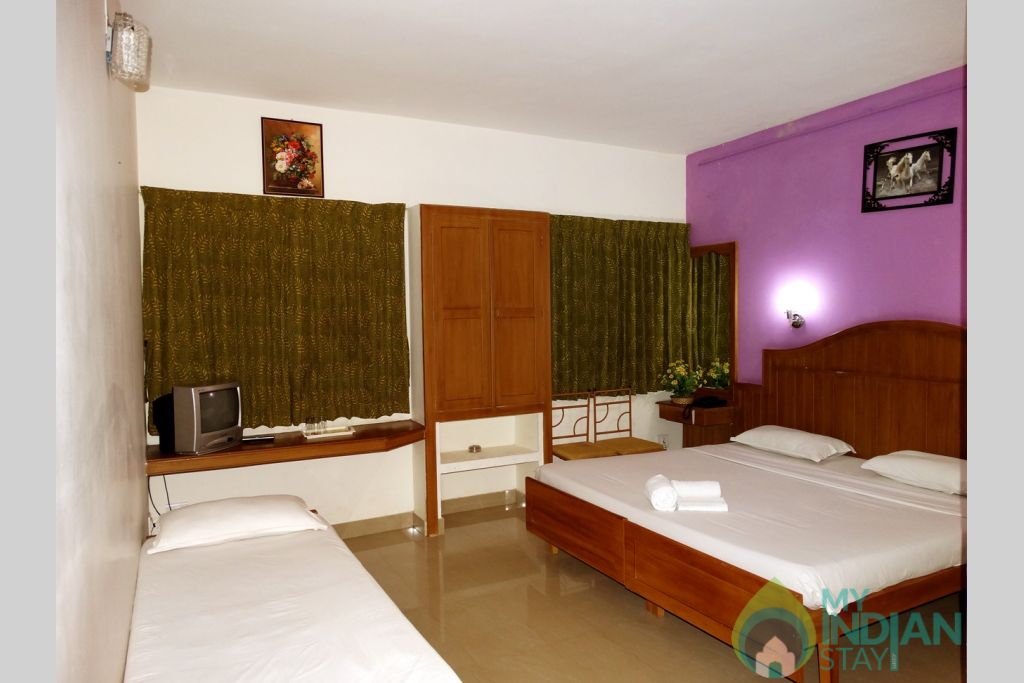 Deluxe_rooms in a Guest House in Munnar, Kerala