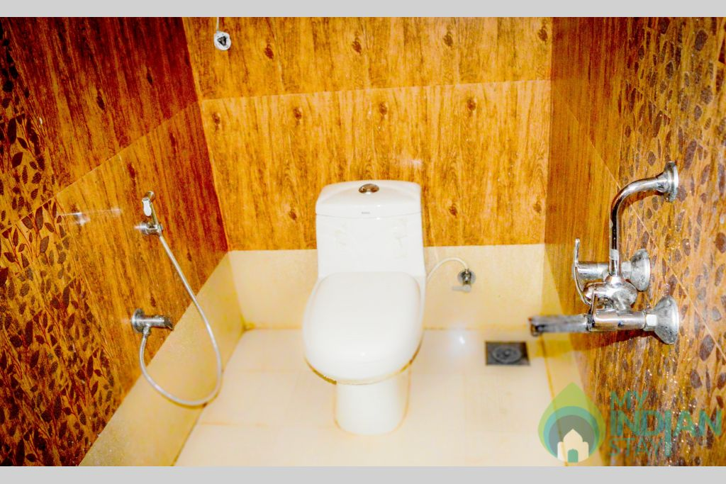 1 & 2 bhk bath 1 in a Serviced Apartment in Canacona, Goa
