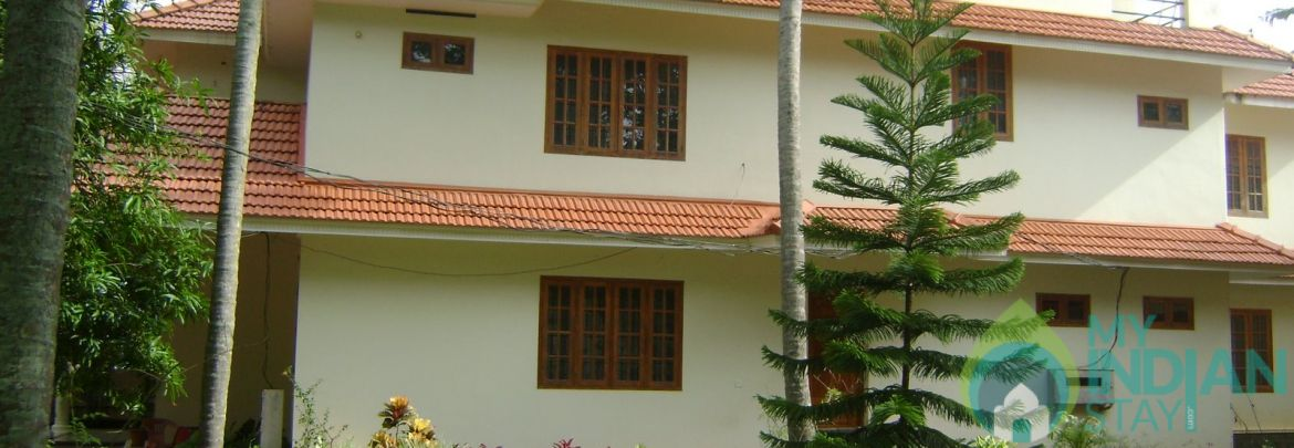 Non AC Luxury Deluxe Room at Varkala, Kerala