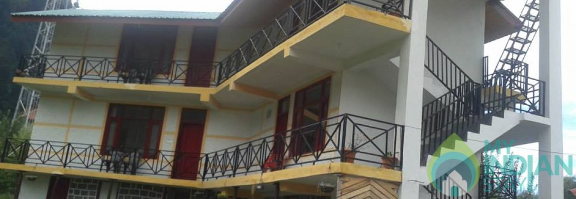 Deluxe Double Bed Room Home Stay In Manali