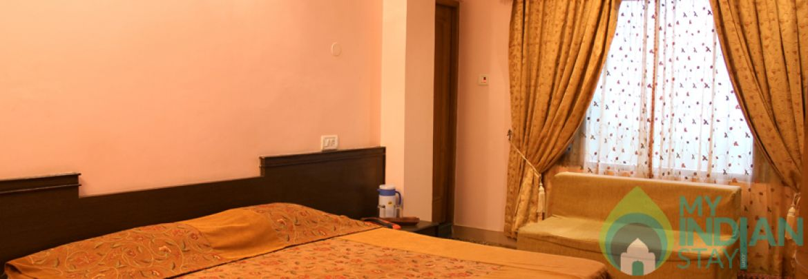 Posh Deluxe Stay In Shimla, HP