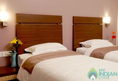 EXECUTIVE AC ROOMS WITH ACCOMODATION AND BREAKFAST