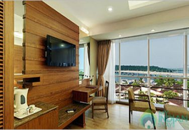 SUITE ROOM WITH ACCOMMODATION AND BREAKFAST