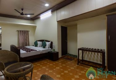 Calm and pleasent stay in Mount Abu near lake road