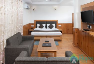 Budgeted Stay In Main Square Market, Mcleodganj