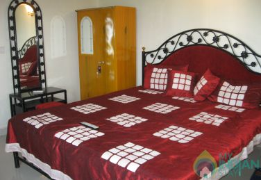 Well Furnished Family Room in a Guest House in Morjim