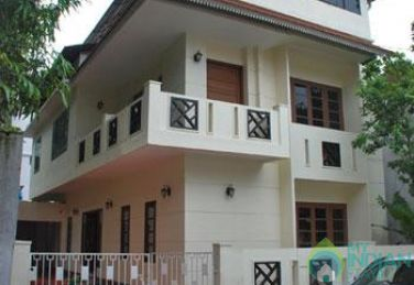 Deluxe AC Room In XL Home Stay In Emakulam