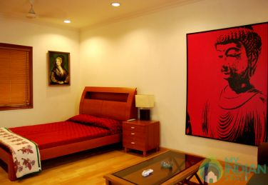 Room for rent in a homestay at Jangpura, New Delhi