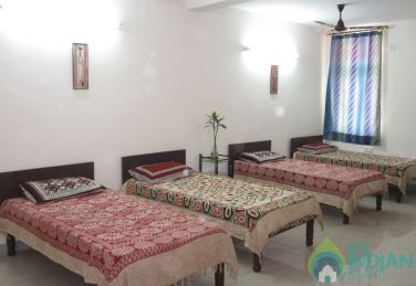 Fully Furnished 4 Beded Room in a Guest House in New Delhi