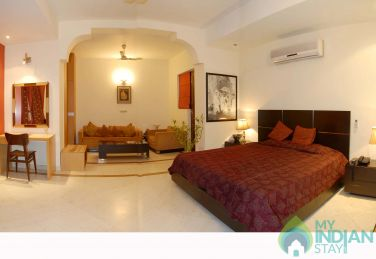 A/C Rooms in a Homestay in New Delhi