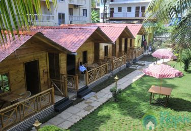 Lavish Wooden Cottages in Candolim