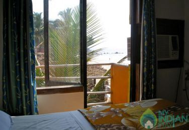 Deluxe AC Rooms In Saritas Guest House In Bogmalo